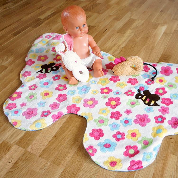 Kostenloses Schnittmuster einer Babydecke von Frau Scheiner