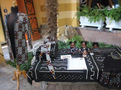 Mode von Rama Diaw ausgestellt in NaturaGart Ibbenbüren.